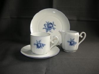 spierwit met blauwe bloem (D.E.)