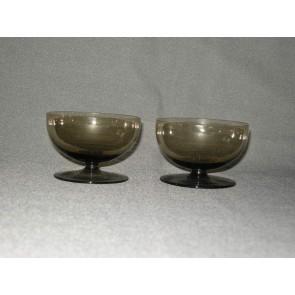 gekleurd glas 11.b coupes, doorsnee 8 cm., smoke