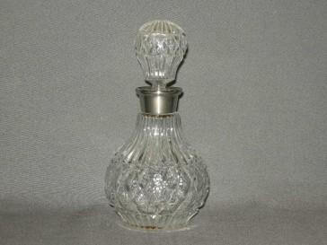 Gebruikt glas / kristal karafje rond bol rvs hals