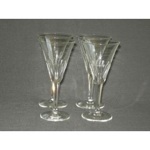 gebruikt glas / kristal glazen 001. c 4 glazen met geslepen been en facetten in kelk