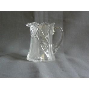 Gebruikt glas / kristal melkkannetje