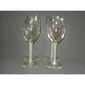 gebruikt glas / kristal glazen 003. a 4 wijnglazen met wit been