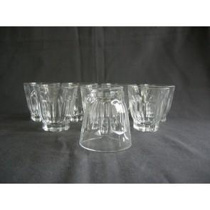 gebruikt glas / kristal 009. 8 kleine glaasjes