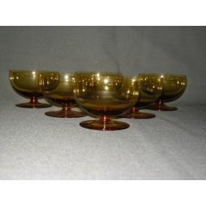 gekleurd glas 11.a coupes, doorsnee 8 cm., okergeel