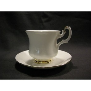 Royal Albert Val d'Or koffiekop en schotel klein